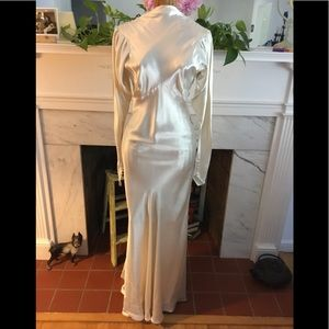 Vintage Glamorous Liquid Satin Wedding Gown